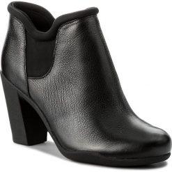 Botki CLARKS - Adya Bella 261294744 Black Leather. Czarne botki damskie na obcasie marki Clarks, z materiału. W wyprzedaży za 309,00 zł.