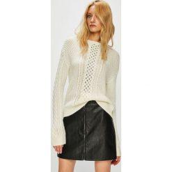 Swetry klasyczne damskie: Guess Jeans - Sweter Stella