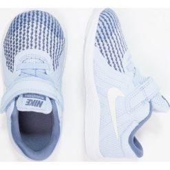 Nike Performance REVOLUTION 4 Obuwie do biegania treningowe royal tint/metallic summit white. Niebieskie buty sportowe chłopięce marki Nike Performance, z materiału, do biegania. Za 129,00 zł.