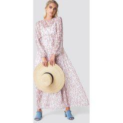 NA-KD Boho Sukienka maxi z bufiastym rękawem - Pink,White,Multicolor. Niebieskie długie sukienki marki NA-KD Boho, na imprezę, w koronkowe wzory, z koronki, boho, na ramiączkach. Za 202,95 zł.