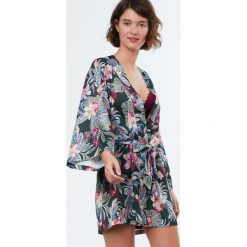 Etam - Szlafrok Exotic. Szare szlafroki kimona damskie Etam, l, z materiału. W wyprzedaży za 119,90 zł.