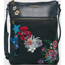 Desigual - Torebka. Czarne torebki klasyczne damskie Desigual, z haftami, z materiału, średnie, z haftem. W wyprzedaży za 179,90 zł.