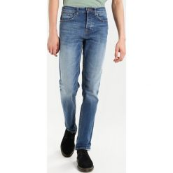 New Look NEW INDIGO Jeansy Slim Fit bright blue. Czarne jeansy męskie marki New Look, z materiału, na obcasie. Za 189,00 zł.