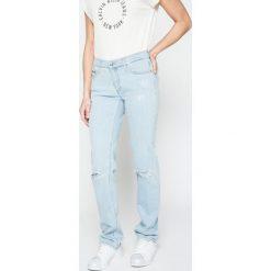 Calvin Klein Jeans - Jeansy. Niebieskie proste jeansy damskie marki Calvin Klein Jeans. W wyprzedaży za 299,90 zł.