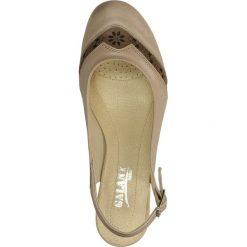 CZÓŁENKA GALANT G-04. Brązowe buty ślubne damskie Casu, na koturnie. Za 159,99 zł.