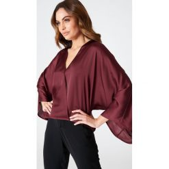 Bluzki damskie: Hannalicious x NA-KD Kopertowa bluzka kimono – Red