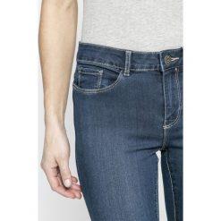 Vero Moda - Jeansy. Niebieskie jeansy damskie rurki marki Vero Moda, z aplikacjami, z bawełny. W wyprzedaży za 69,90 zł.