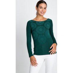 Bluzki damskie: Zielona bluzka w geometryczne kwiaty QUIOSQUE