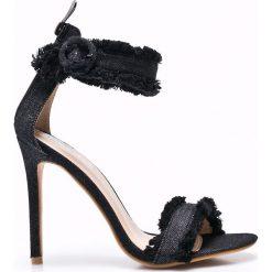 Public Desire - Sandały. Czarne sandały damskie marki Public Desire, z denimu, na obcasie. W wyprzedaży za 49,90 zł.