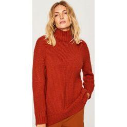 Długi sweter - Bordowy. Czerwone swetry klasyczne damskie Reserved, l. Za 139,99 zł.