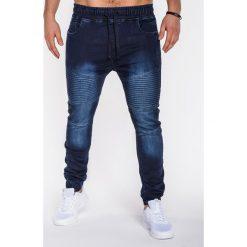 SPODNIE MĘSKIE JEANSOWE JOGGERY P481 - GRANATOWE. Niebieskie joggery męskie marki Ombre Clothing, z bawełny. Za 84,00 zł.