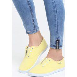 Żółte Tenisówki Tequila. Żółte tenisówki damskie marki Kazar, ze skóry, na wysokim obcasie, na obcasie. Za 39,99 zł.