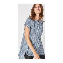 Bluzka damska. Szare bluzki koszulowe Promod, z krótkim rękawem. Za 83,50 zł.