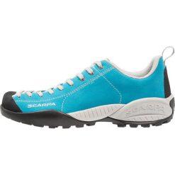 Scarpa MOJITO Obuwie hikingowe arctic blue. Białe buty sportowe damskie marki Nike Performance, z materiału, na golfa. W wyprzedaży za 439,20 zł.