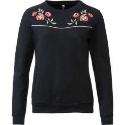 Bluza z haftem bonprix czarny. Czarne bluzy damskie bonprix, z haftami. Za 74,99 zł.