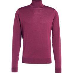 John Smedley RICHARDS Sweter maroon. Czerwone swetry klasyczne męskie John Smedley, m, z materiału. W wyprzedaży za 629,25 zł.