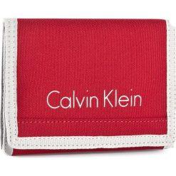 Duży Portfel Męski CALVIN KLEIN - Col3 Bylon 8CC + Coin K50K502519 646. Czerwone portfele męskie marki Calvin Klein, z materiału. W wyprzedaży za 149,00 zł.