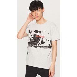 Melanżowy t-shirt z nadrukiem - Jasny szar. Szare t-shirty męskie z nadrukiem Reserved, l. Za 49,99 zł.
