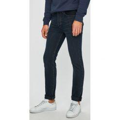 Levi's - Jeansy Dark Hours. Szare jeansy męskie regular Levi's®. W wyprzedaży za 299,90 zł.
