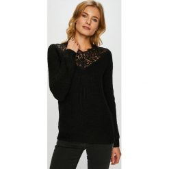 Vero Moda - Sweter Merla. Czarne swetry klasyczne damskie Vero Moda, l, z dzianiny, z okrągłym kołnierzem. W wyprzedaży za 139,90 zł.