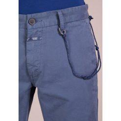 CLOSED CLIFTON  Chinosy faded woad. Niebieskie chinosy męskie CLOSED, z bawełny. Za 549,00 zł.