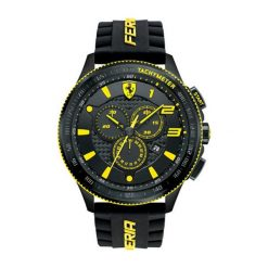 """Zegarek """"0830139-SCUDERIA-XX"""" w kolorze czarnym. Czarne, analogowe zegarki męskie Lacoste, sztuczne. W wyprzedaży za 1247,95 zł."""