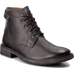 Kozaki CLARKS - Clarkdale Bud 261277767 Black Leather. Czarne buty zimowe męskie Clarks, z materiału. W wyprzedaży za 409,00 zł.