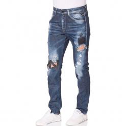 """Dżinsy """"Ezhir"""" - Low Crotch - w kolorze granatowym. Niebieskie jeansy męskie marki Replay. W wyprzedaży za 391,95 zł."""
