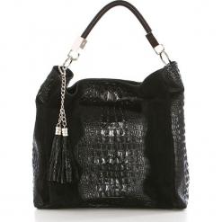 Skórzana torebka w kolorze czarnym - 36 x 38 x 14 cm. Czarne torebki klasyczne damskie Mia Tomazzi, w paski, z materiału. W wyprzedaży za 363,95 zł.