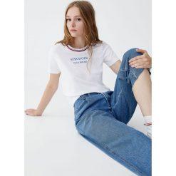 Koszulka z napisem i obszyciem. Szare t-shirty damskie Pull&Bear, z napisami. Za 39,90 zł.