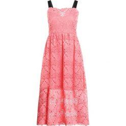 Sukienki hiszpanki: PERSEVERANCE LONDON AZTEK GUIPURE STRAPPY MIDI DRESS Sukienka letnia coral pink