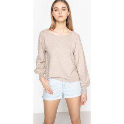 Swetry damskie: Sweter z reglanowym rękawem z ozdobnymi koralikami