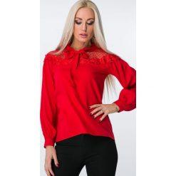 Bluzka z tiulem w groszki czerwona 1615. Czerwone bluzki asymetryczne Fasardi, l, w grochy, z tiulu. Za 44,00 zł.