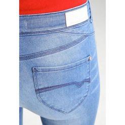 Freeman T. Porter ZOE  Jeansy Slim fit nosar. Niebieskie jeansy damskie Freeman T. Porter. W wyprzedaży za 246,35 zł.