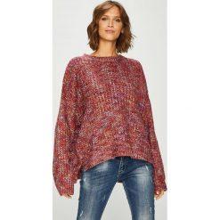 Answear - Sweter. Brązowe swetry oversize damskie ANSWEAR, uniwersalny, z poliesteru. W wyprzedaży za 119,90 zł.