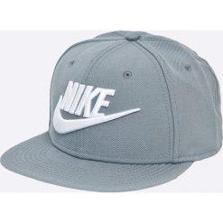 Nike Sportswear - Czapka snapback Limitless True. Szare czapki z daszkiem męskie Nike Sportswear, z bawełny. W wyprzedaży za 89,90 zł.