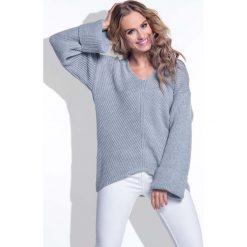 Swetry oversize damskie: Szary Sweter w Serek z Rozkloszowanymi Rękawami