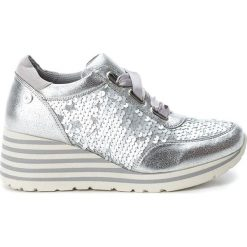 Sneakersy damskie: Sneakersy w kolorze srebrnym na koturnie