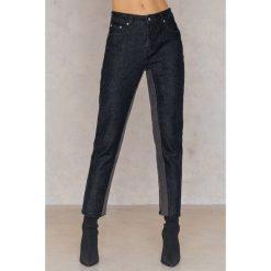 Spodnie z wysokim stanem: Qontrast X NA-KD Jeansy w dwóch odcieniach z wysokim stanem - Black