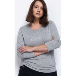 Szara Bluzka Your Style. Szare bluzki longsleeves Born2be, xl, z aplikacjami, z okrągłym kołnierzem. Za 34,99 zł.