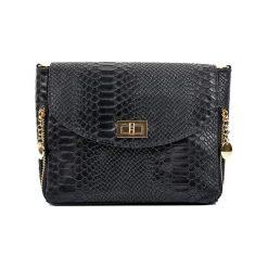 Torebka w kolorze czarnym - (S)27 x (W)21 x (G)10 cm. Czarne torebki klasyczne damskie Bestsellers bags, w paski, z materiału. W wyprzedaży za 219,95 zł.
