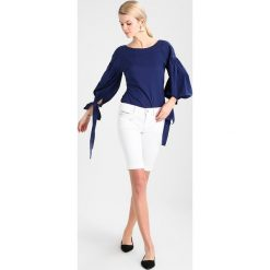 GANT THE PUFFER Bluzka persian blue. Niebieskie bluzki damskie GANT, s, z bawełny. Za 419,00 zł.