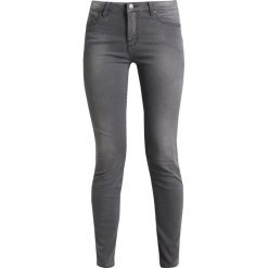 Armani Exchange Jeans Skinny Fit grey denim. Czarne jeansy damskie marki Armani Exchange, l, z materiału, z kapturem. Za 529,00 zł.