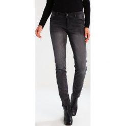 S.Oliver RED LABEL SHAPE SLIM Jeansy Slim Fit black melange denim. Czarne jeansy damskie marki s.Oliver RED LABEL, z bawełny. W wyprzedaży za 199,20 zł.