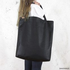 Mega shopper torba czarna teksturowany na zamek. Czarne shopper bag damskie Pakamera. Za 170,00 zł.