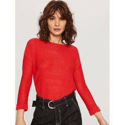 Sweter - Czerwony. Szare swetry klasyczne męskie marki Reserved, l, w paski, z klasycznym kołnierzykiem. Za 69,99 zł.