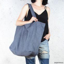 Big Lazy bag torba ciemnoniebieska na zamek. Niebieskie shopper bag damskie Pakamera, w paski. Za 185,00 zł.