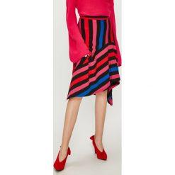 Answear - Spódnica Watch Me. Szare spódniczki asymetryczne marki ANSWEAR, l, z dzianiny, z podwyższonym stanem, midi. W wyprzedaży za 99,90 zł.
