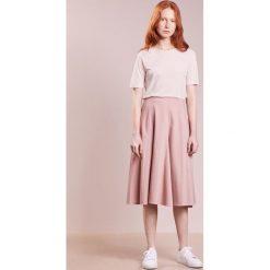 T-shirty damskie: Bruuns Bazaar SILLE TOP Tshirt basic pale pink