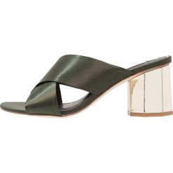 Klapki damskie: Miss Selfridge COSMIC Klapki dark green
